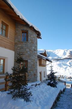 Chalet Monteneve mit dem Schnee